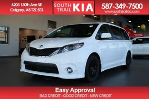 2012 Toyota Sienna SE, SUNROOF, 2 SET'S OF TIRES
