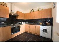 4 bedroom flat in Castlehaven Road, Camden NW1