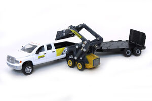 1-64-ERTL-NEW-HOLLAND-DODGE-PICKUP-W-TRAILER-SKIDSTEER-SET