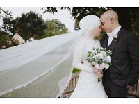 PROFESSIONAL FEMALE WEDDING PHOTOGRAPHER