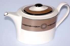 GORGEOUS WEDGWOOD LAUREL CHINA 1 LITRE TEAPOT NEW MINT CONDITION MADE ENG WORK OF ART CHOCOLATE COL