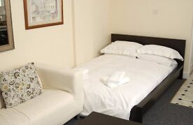 SPACIOUS FULLY FURNISHED STUDIO, CLOSE TO CLAPHAM HIGH STREET & COMMON, DIRECT LANDLORD, SW4