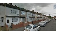 LARGE 2 / 3 BED HOUSE TO LET IN THE CROYDON VICINITY. AVAILABLE 9TH SEPTEMBER