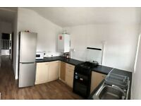 Amazing 3 Bedroom Flat To Rent In Plaistow E15 - Very Cheap - 2 Minute Walk To Plaistow St - Ref000