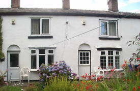 17th C. Cosy 2 bed beamed cottage F/F. WiFi. Garden. Nr J17M60. Excellent position.