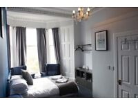 2/3 person rooms & large apartment suites for groups in student accomodation in central Edinburgh