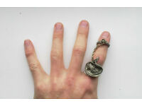 Alchemy Gothic chained dragon ring (damaged)
