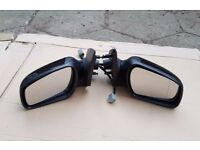 Ford Mondeo Mk3 01-07 Driver / Passenger side electric wing mirror in black,pairs-£30