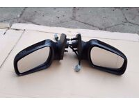 Ford Mondeo Mk3 01-07 Driver / Passenger side electric wing mirror in black,pairs-£20