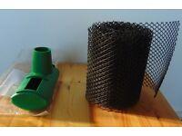Gutter pump and gutter mesh