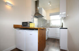 A Good size 2 bed conviniently located in the heart of Camden Town NW1.
