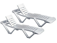 2 White garden sunloungers with side table and soft covers