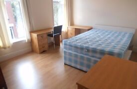 1st July 17 - 3 DOUBLE Bed House on Kathleen Grove Rusholme 3 x £282pcm No Fees Half Summer Rents!