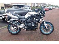 Yamaha 600 fazer 2000 W plate