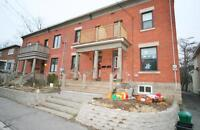 Beautiful 3 bed + Den townhome - Minutes from Downtown