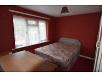 Two Double Bedroom Very Clean Flat in Hayes