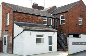 1 bedroom flat in Ferndale Road, Swindon, SN2 (1 bed) (#1071497)