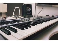 KORG X50 keyboard - 61-key lightweight synth - TRITON modelled sounds