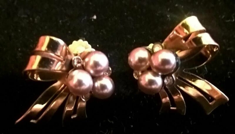Very Lady Like Faux Pearls and Rhinestones Bow Earrings DS Coro, Vintage