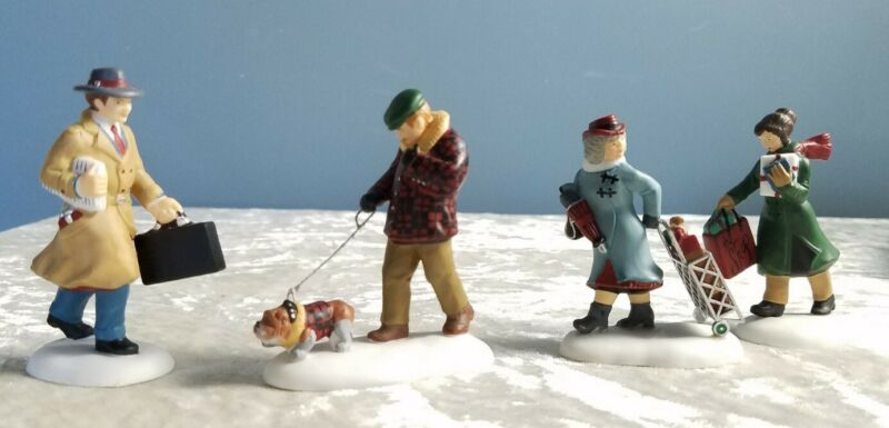Dept 56 Christmas in the City - Busy City Sidewalks  #58955
