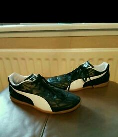 Mens puma football trainers indoor 5 a side size 12