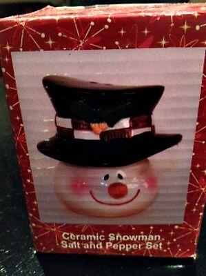 Ceramic Snowman Salt and Pepper shaker set - Snowman Salt And Pepper Shakers