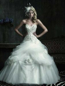 ALLURE COUTURE WEDDING DRESS WITH FREE ITEMS