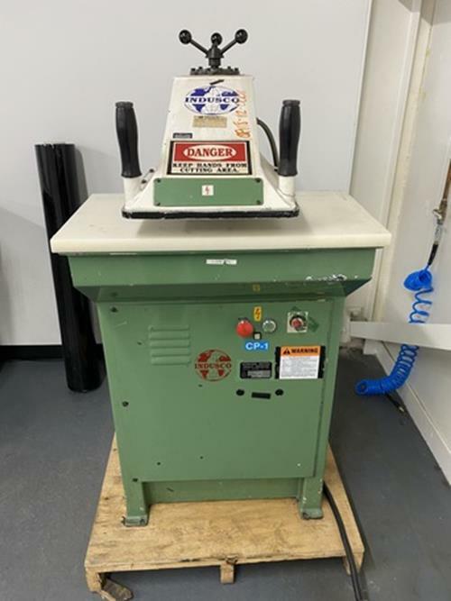 INDUSCO C-118 Swing Arm Clicker Press
