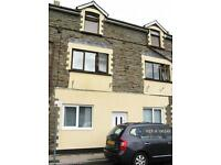 5 bedroom house in High Street, Llanhilleth, Abertillery, NP13 (5 bed)