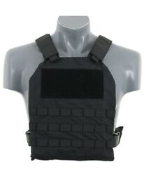 DESINO covert stab proof vest. Nylon vest with galvanised steel plates.