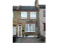 Well Presented Two Double Bedroom House For Rent - Redbridge
