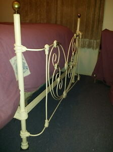 HEARTSHAPE ROMANTIC 1800's ANTIQUE BRASS & IRON 4 POSTER BED Vancouver Greater Vancouver Area image 6