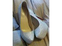 Gorgeous sparkling heels size 6