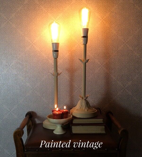 Pair of table lamps with vintage light bulbs