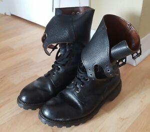 paire de chaussures montantes
