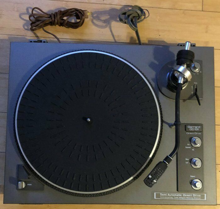VINTAGE GARRARD DD131 SEMI AUTOMATIC DIRECT DRIVE TURNTABLE