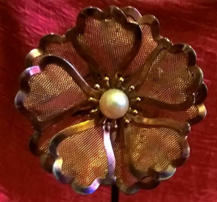 Vintage Gold Tone Metal Mesh Flower Brooch with Faux Pearl Center