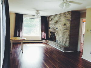 3 LARGE ROOMS LEFT FOR JANUARY Kitchener / Waterloo Kitchener Area image 1