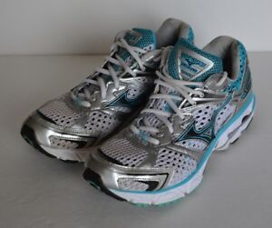 MIZUNO Running Shoes Size 8.5