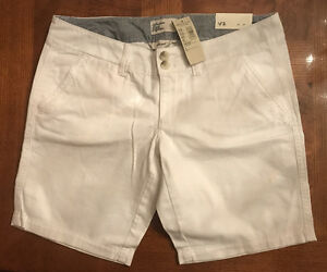 NEW American Eagle Outfitters White Bermuda Shorts