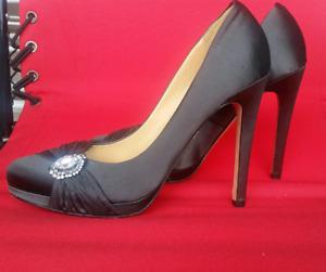 Badgley Mischka  shoes pumps Size 10M