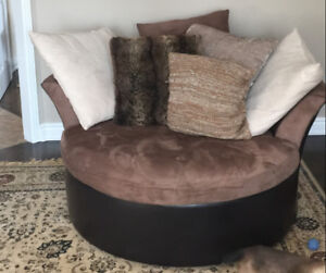 Round Chair (2 person)