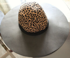 Hat Leopard- NEW