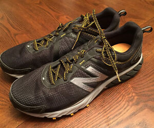 New - 2 Size 13 Mens Sneakers Nike and New Balance $120 Firm Cambridge Kitchener Area image 4