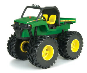 ✪ JOHN DEERE - ERTL  Monster Treads Shake & Sounds 4WD XUV Gator