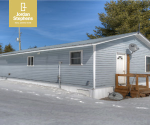 2300 Lee Valley #20- Beautifully Maintained Mobile Home