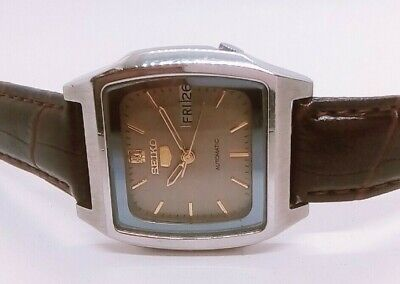 ORIGINAL VINTAGE SEIKO 5 AUTOMATIC DAY--DATE JAPAN MADE MEN'S WRISTWATCH.