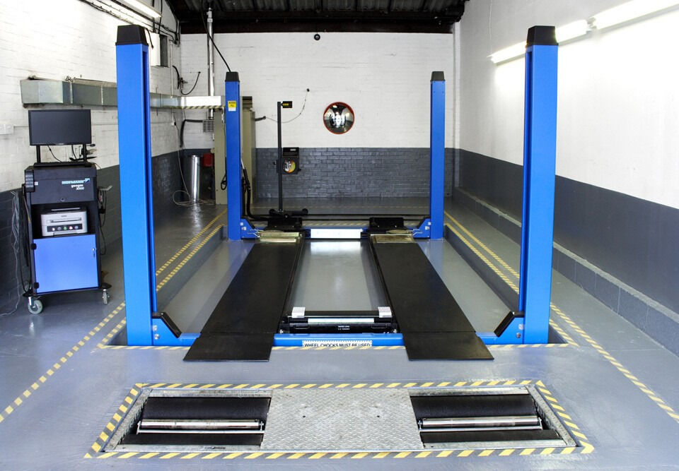 Car repair business, Mot garage, to let or for sale in Bow East London 3.5k NWPin Tower Hamlets, LondonGumtree - Description We are looking for a buyer for our MOT station which has been running for 12 years in BOW East London we have 4 units in the 1st unit we do tyres in the 2nd unit we do MOT and in the 3rd and the 4th unit we do all the repair work...