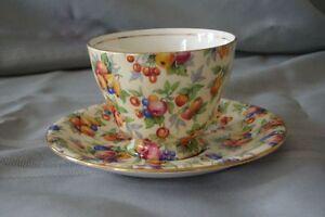 Vintage/Collectable Footed Tea Cup & Saucer Set  50.00 ( 2 Sets) Gatineau Ottawa / Gatineau Area image 1