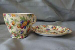 Vintage/Collectable Footed Tea Cup & Saucer Set  50.00 ( 2 Sets) Gatineau Ottawa / Gatineau Area image 3